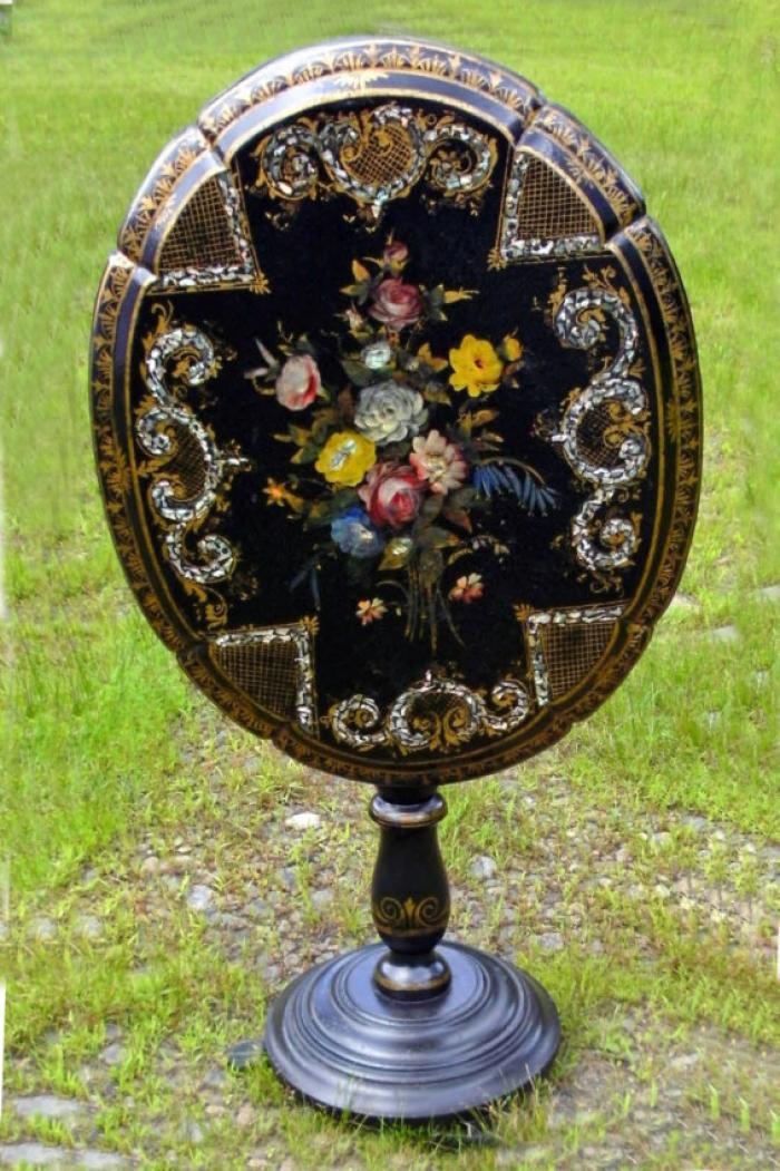 English Victorian black lacquered paper mache table