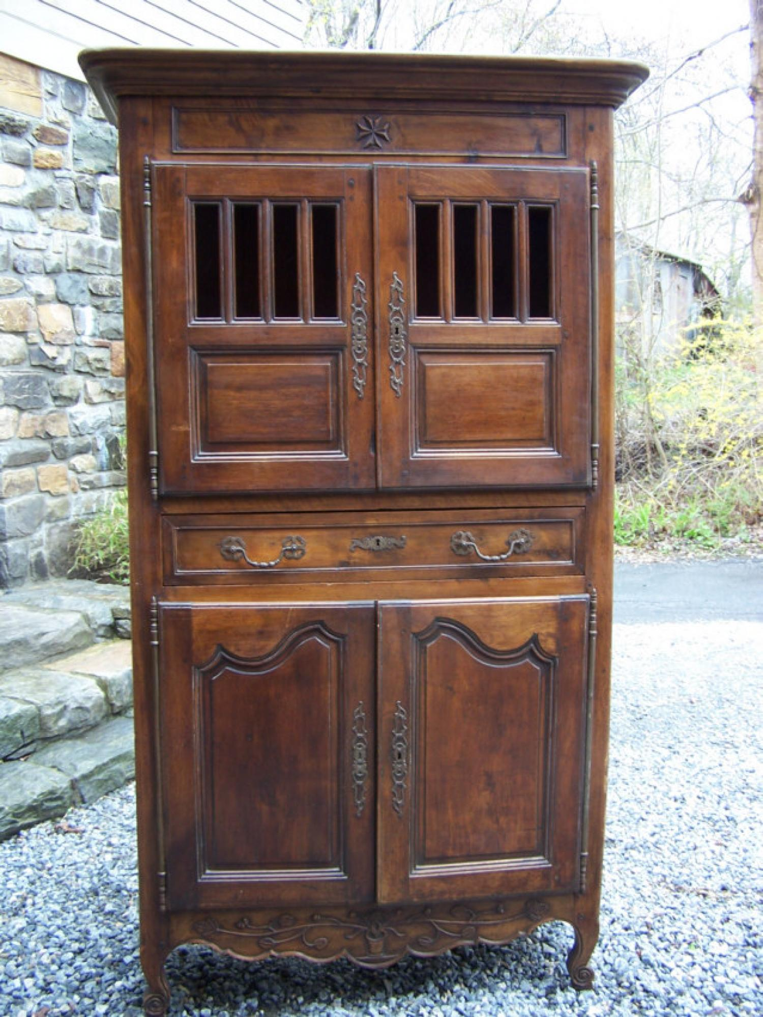 French Provincial 18thc walnut cupboard