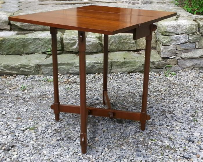 Slim gate leg walnut table with drop leaves c1900