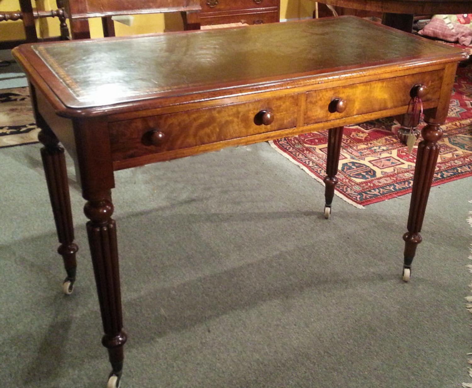 Willaim IV mahogany writting table with leather top c1830