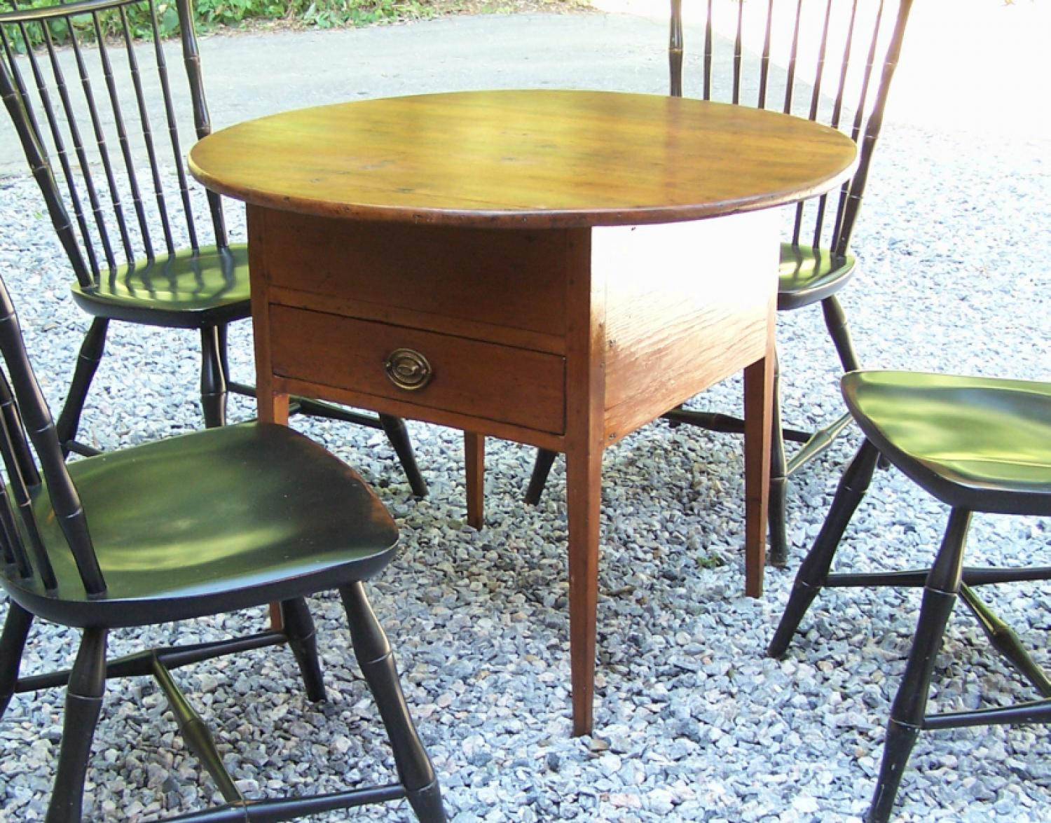 American country pine tavern table with round top c1820