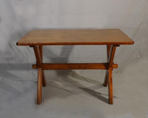 Vintage artisan made sawbuck kitchen table