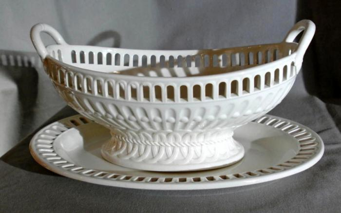 19th c Wedgwood creamware reticulated basket or compote c1861