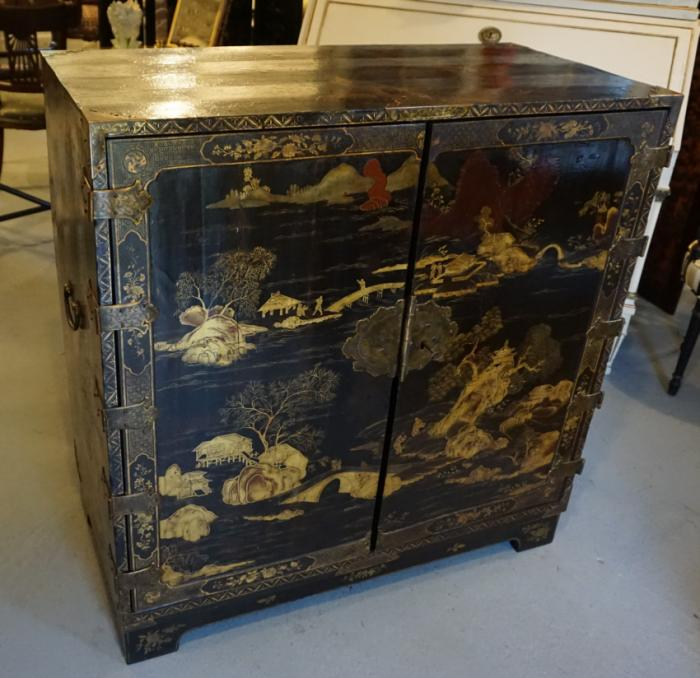 18th C Chinese black lacquered cabinet with chinoiserie and gilt decoration