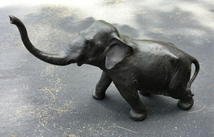 Antique Japanese Meiji era bronze elephant by Masatani