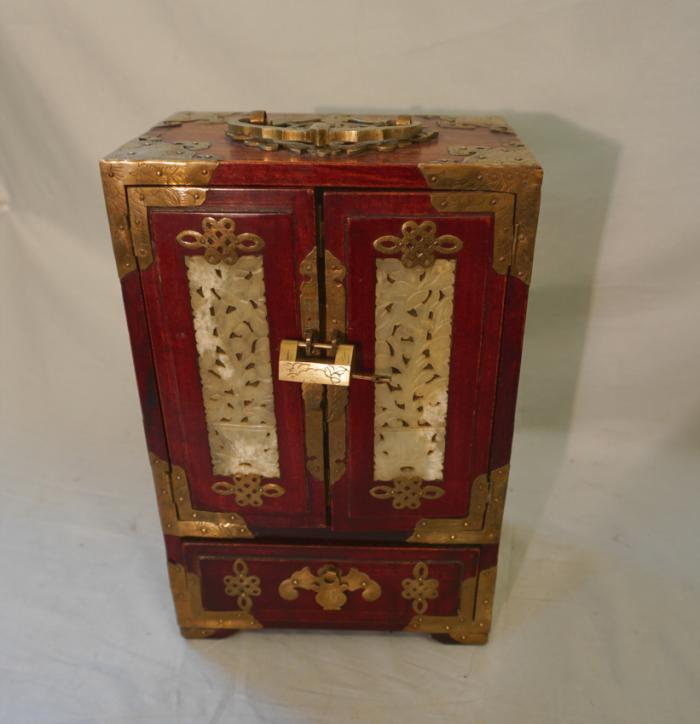 Antique Chinese rosewood jewelry box