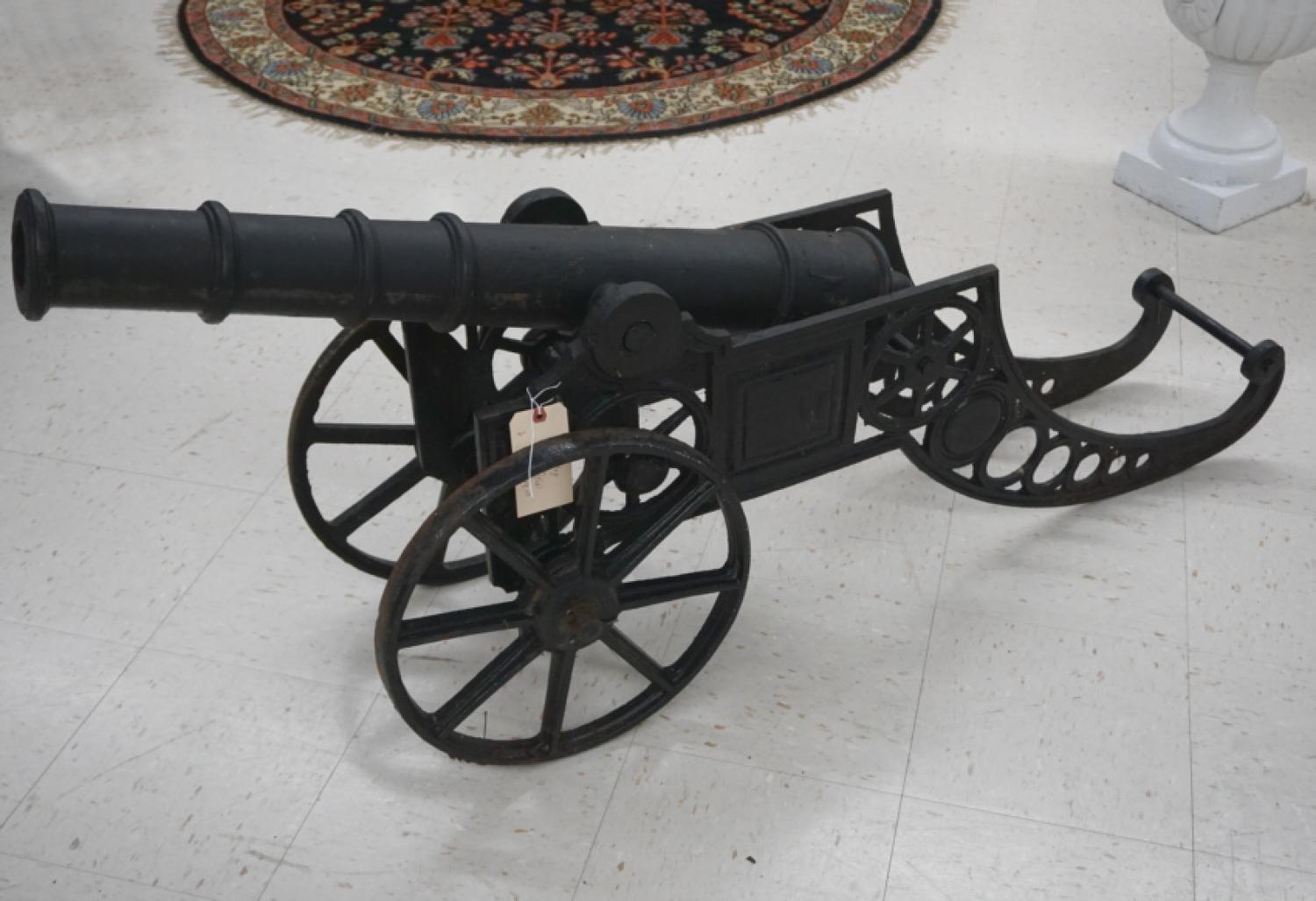 Vintage cast iron replica war canonn