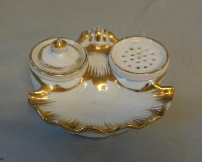 Antique 19thc Paris porcelain desk top inkwell set