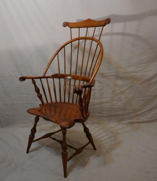 Vintage D R Dimes Windsor comb back knuckle arm chair
