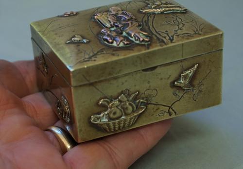 Japanese Meiji mixed metal stamp box c1880