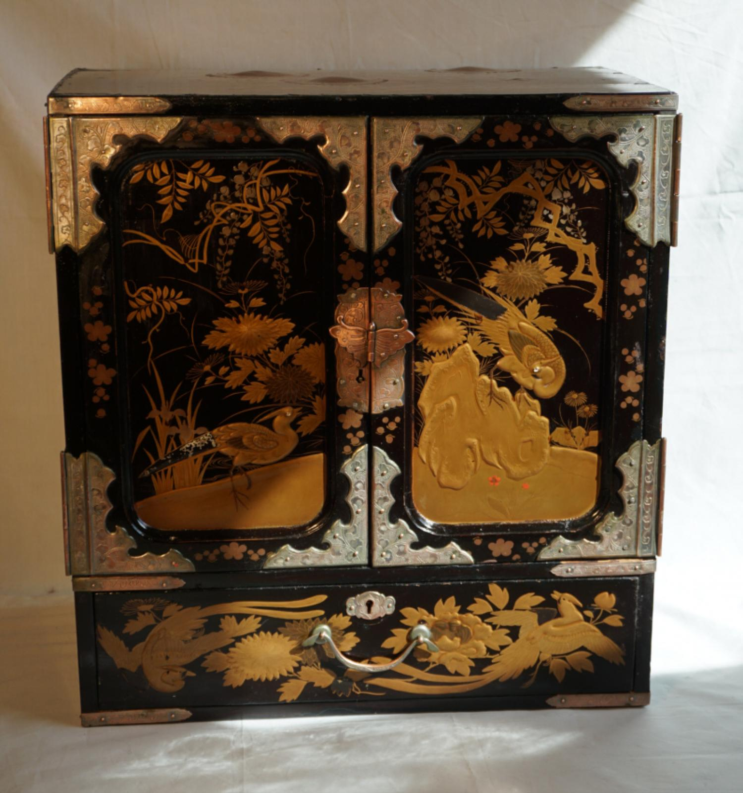 Japanese lacquer jewelry cabinet Meiji period