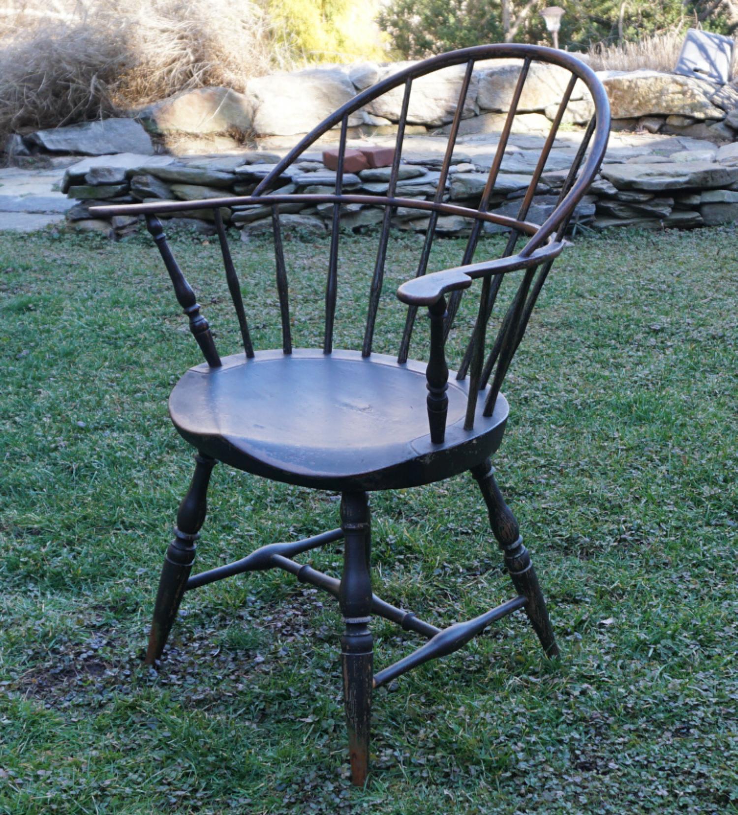 Early New England sack back Windsor arm chair