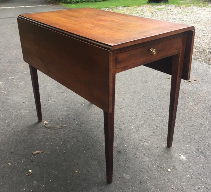 Early American Pembroke table c1810