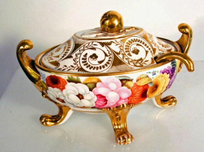 19th Century Coalport footed porcelain tureen or saucier