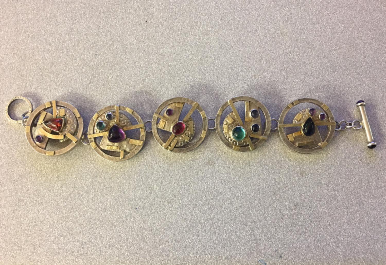 Vintage signed bracelet in sterling silver with stones