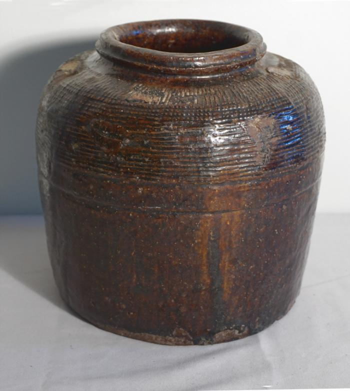 Early Korean or Japanese stoneware jar
